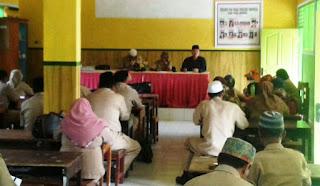 Tingkatkan Disiplin Kerja, UPTD Dikbud Kediri Gelar Rapat Terbuka