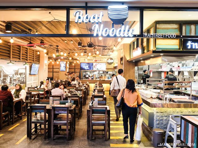 Suasana Boat Noodle Indonesia Gandaria City Jakarta