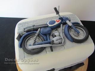 bolo moto antiga bragança doces opções