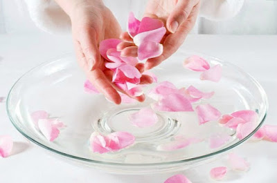 وصفات طبيعية للعناية بالبشرة والشعر بالجلسرين وماء الورد