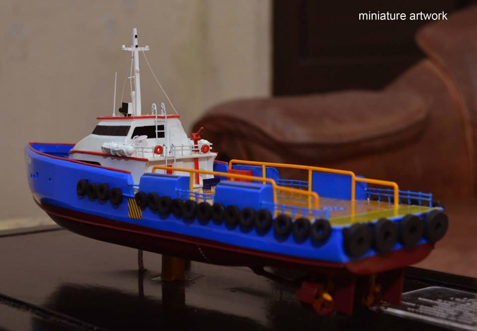 souvenir maket miniatur kapal crew boat cb peregrin milik pt baruna raya logistics harga murah