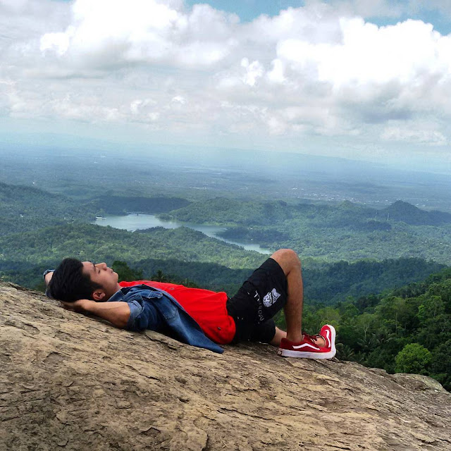 Menikmati Wisata Puncak Gunung Ijo Bagelan, Golden Sunrise