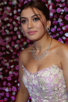 Hansika Motwani Sizzles in a Deep neck Sleevless Pink Gown at Zee Telugu Apsara Awards 2017 01.JPG