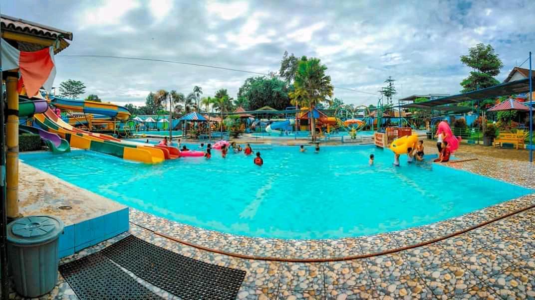 Splash Waterpark Tulungagung