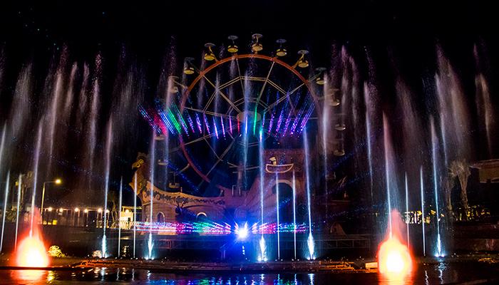 Air Mancur Menari dan Laser di Saloka Theme Park