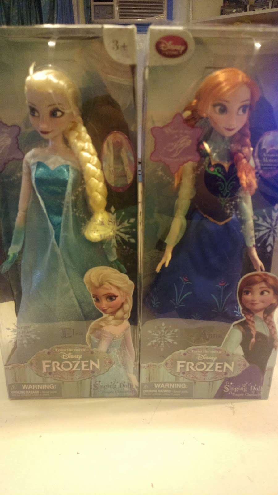 Disney Frozen Elsa and Anna Singing Dolls