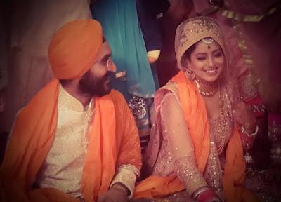 singer-harshdeep-kaur-wedding-with-mankeet