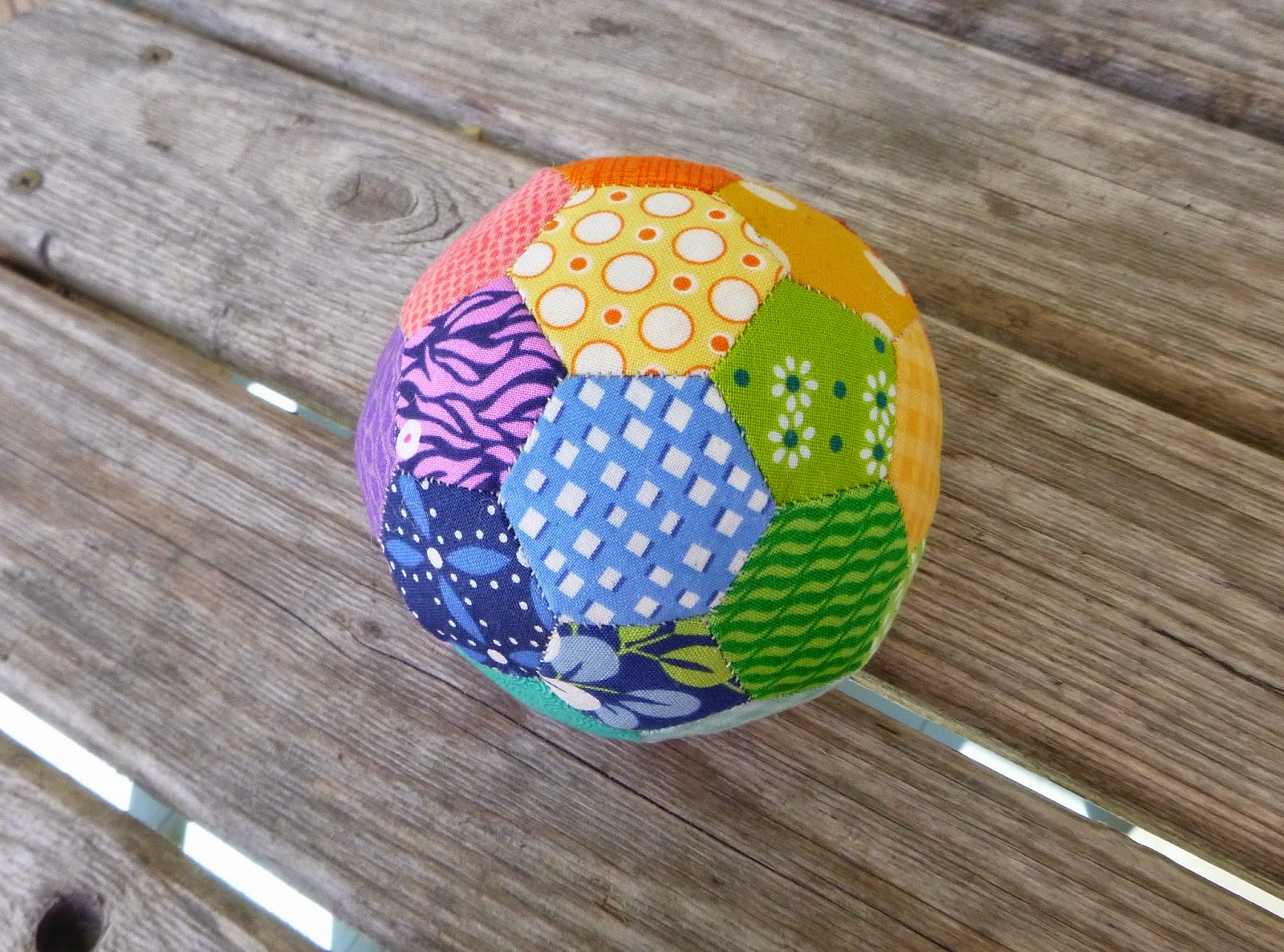 Sewn By Leila Gardunia English Paper Pieced Ball