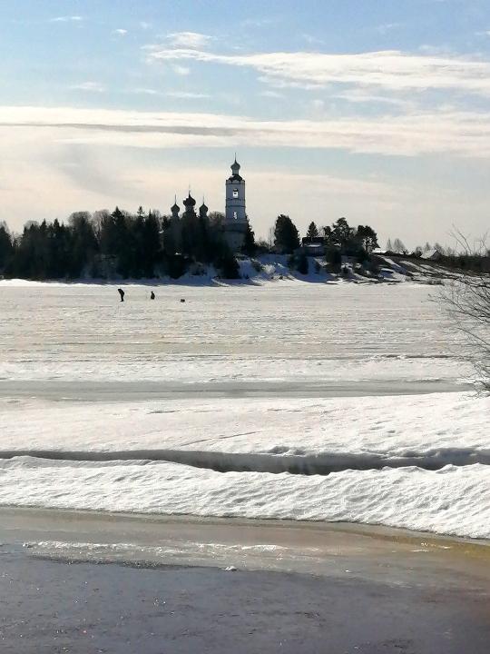 Рыбаки на последнем льду