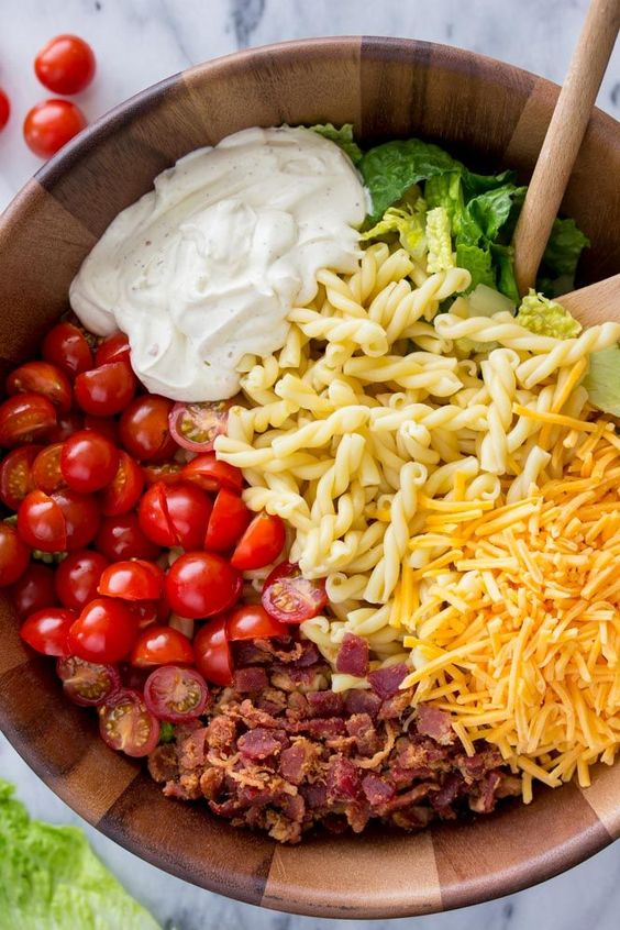 15-Minute BLT Pasta Salad #recipes #lunchrecipes #food #foodporn #healthy #yummy #instafood #foodie #delicious #dinner #breakfast #dessert #lunch #vegan #cake #eatclean #homemade #diet #healthyfood #cleaneating #foodstagram