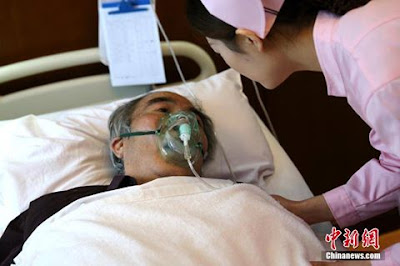 Patient's unusual concern for nurse stands out in fraught Chinese hospitals