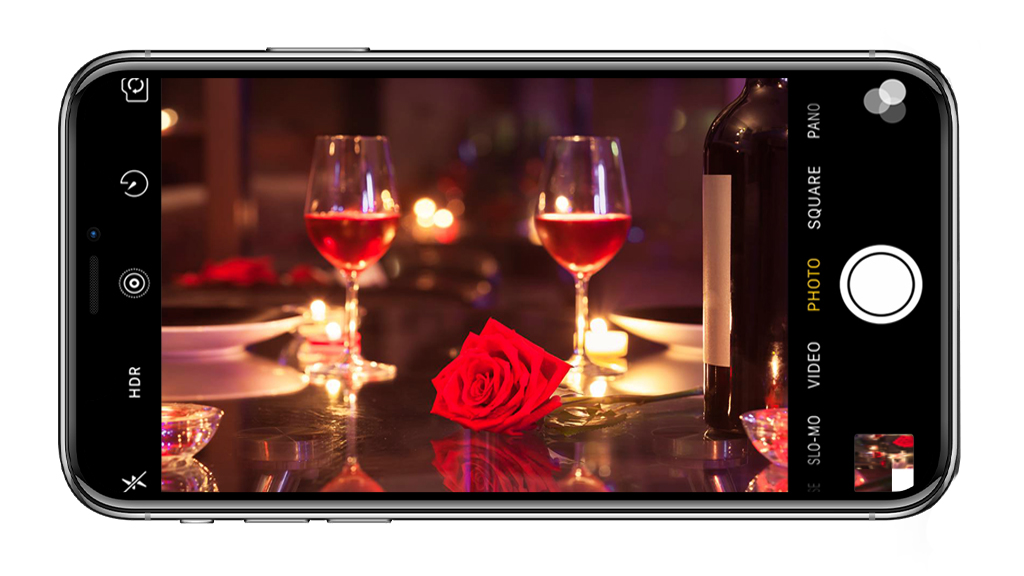 Móvil capturando cena romántica