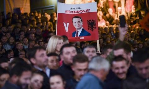 Megnyíltak a szavazóhelyiségek Koszovóban