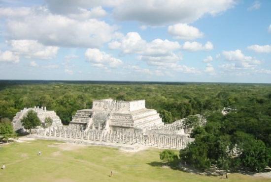 #4. Beberapa monumen bersejarah yang terkenal menghormati ekuinoks