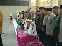 MUI Heran, Kok Jokowi Jadi Imam Shalat Padahal Bacaan Qur'annya Kacau