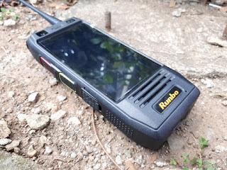 Hape Plus HT Runbo H1 Handy Talky VHF 4G LTE IP67 Certified Baterai 6000mAh