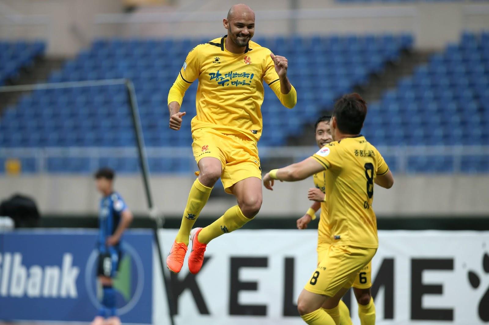 Gwangju overcome spirited Incheon in 2-1 win