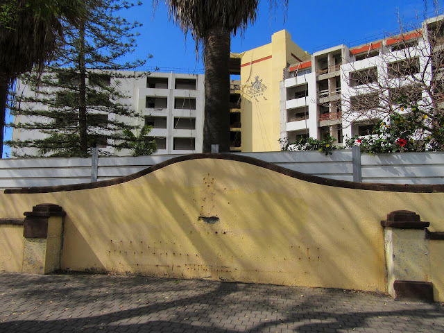 another view to Madeira Palácio hotel closed