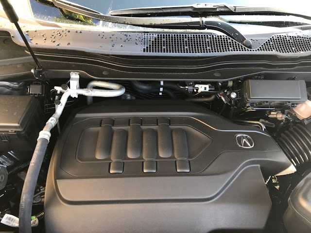 Engine in 2020 Acura MDX SH-AWD A-Spec