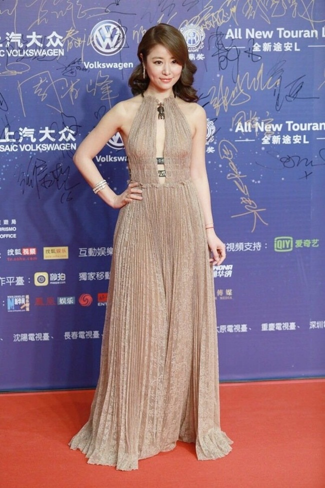 明星撞衫:Ruby Lin、Kate Mara wore Valentino 2016 SS Sexy Nude Dress