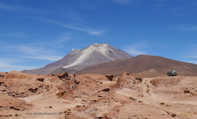 Ollague Volcano, Uyuni, Bolivia