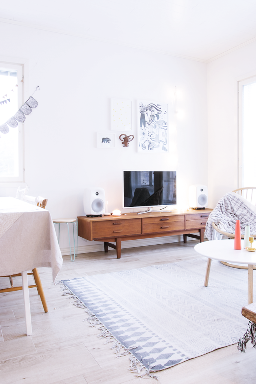 my scandinavian home christmas touches in a finnish home. Black Bedroom Furniture Sets. Home Design Ideas