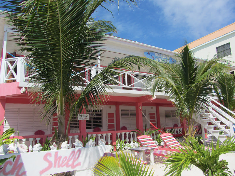 Hotels For Your Budget San Pedro S Conch Shell Inn