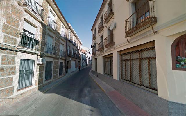 Calle Carbón , desde la plaza de EL salvado de Illescas