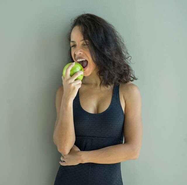 فوائد التفاح الأخضر للبشرة