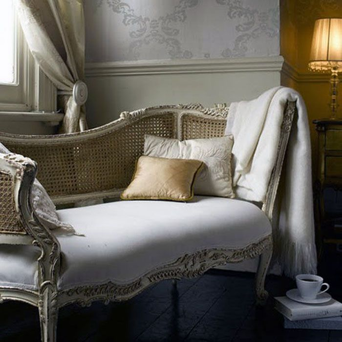 Superior Thanks To The Bustling Trade With Asia Around 1660, Caned Furniture Began  To Appear In Holland, England And France.