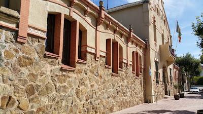 L'Ametlla del Vallès. L'Ajuntament i les escoles