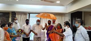 #JaunpurLive : शिवसेना द्वारा मुफ्त छतरी वितरण संपन्न