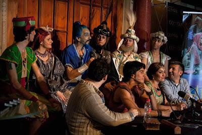 """Elenco, director yguionista de """"Aladin, un musical genial"""""""
