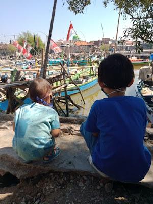 Melihat Kapal Nelayan TPI Sidodadi Juanda