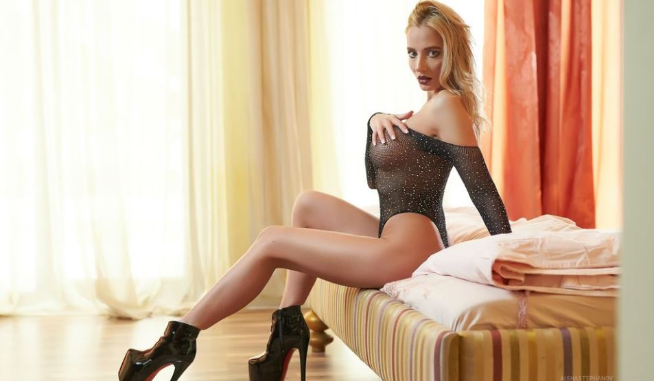 AishaStephanov Model GlamourCams