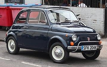 A korai 500-as azonban távol volt az általunk ismertebb későbbi  modellektől. Eleve csak két ülése volt 816af22b68