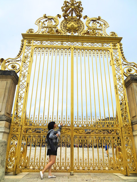 gate, Palace of Versailles