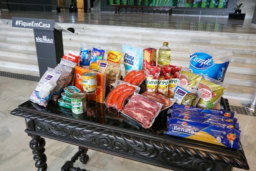 Governo de SP começa a distribuir cestas de alimentos para população em extrema pobreza