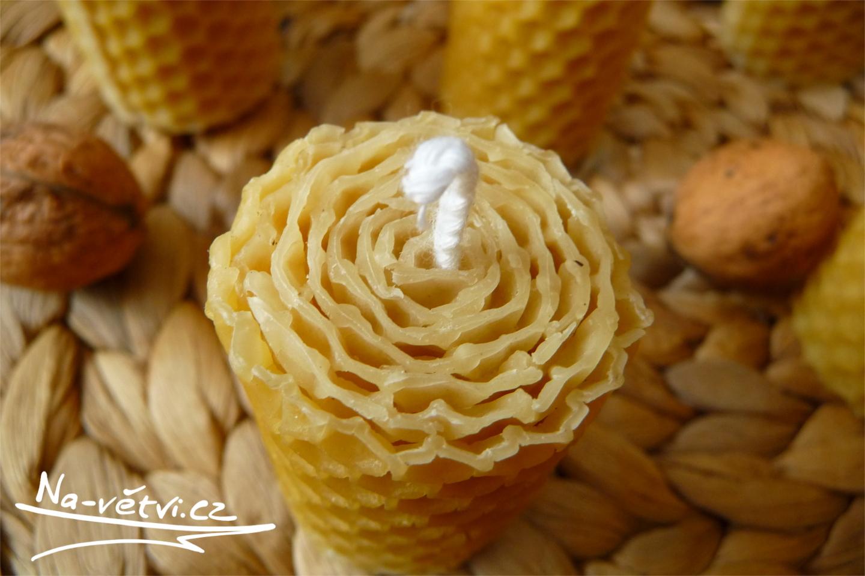 svíčky z včelího vosku