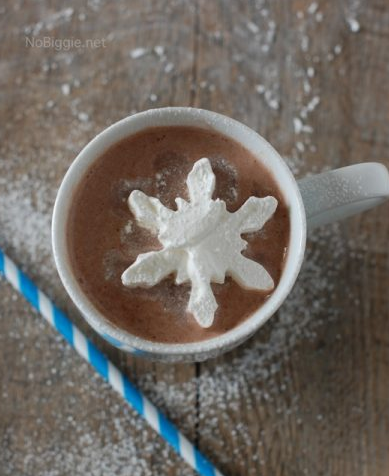Creamy Crockpot Hot Chocolate #drink #creamy #hotchocolate #party #easy
