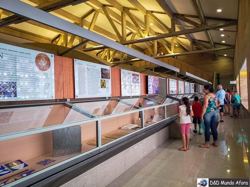 Objetos em exposição na Cúpula do Santuário Nacional de Aparecida