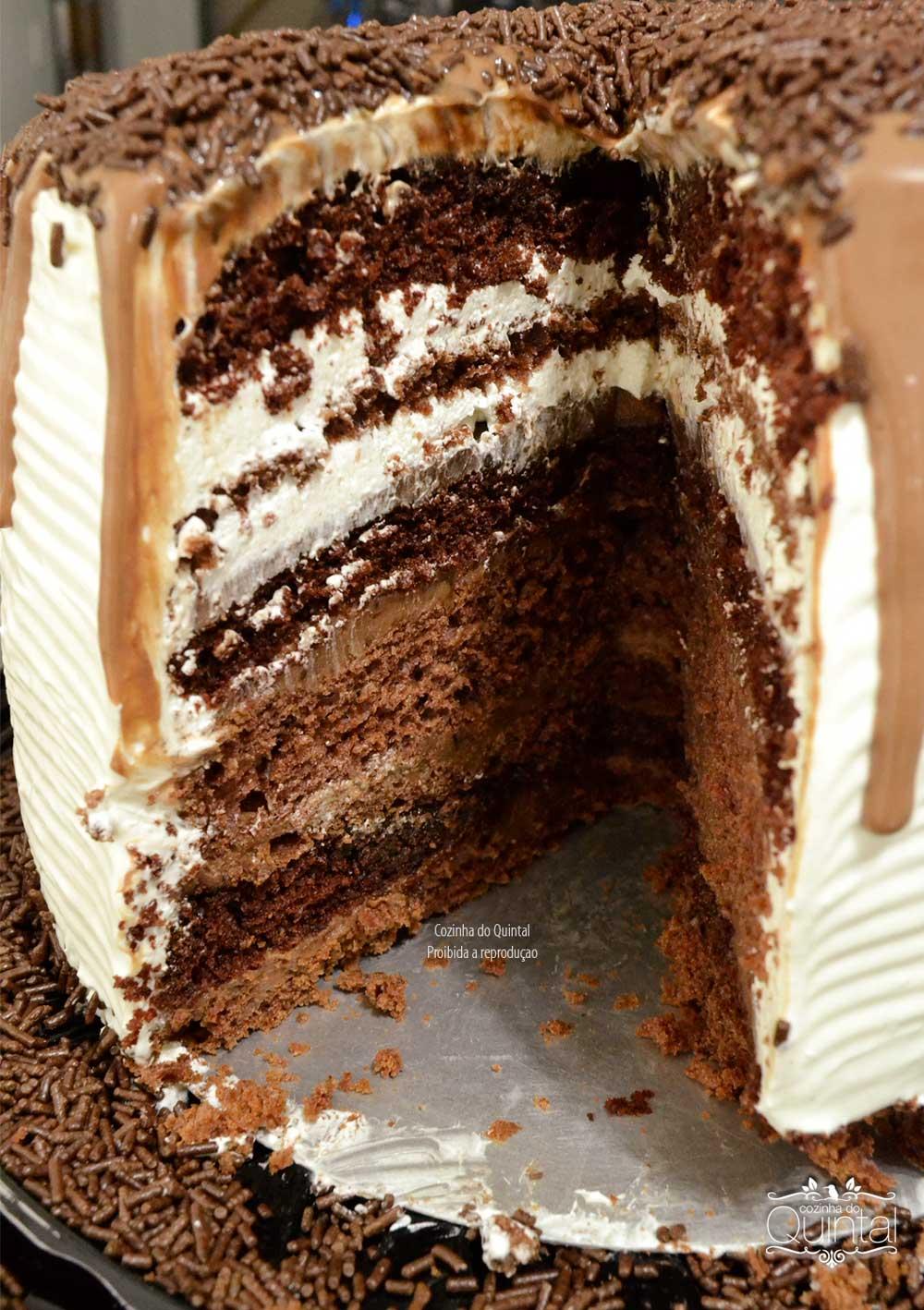 Nova Torre Alta Gourmet Galvanotek com Bolo 2 Chocolates na Cozinha do Quintal