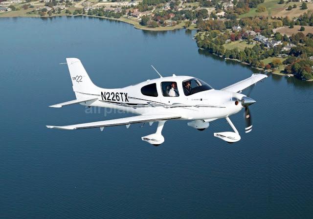 Cirrus SR22 aircraft