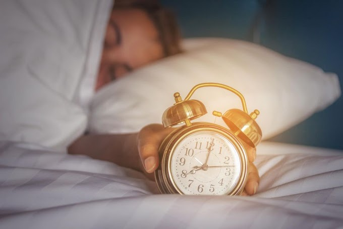 Therefore you should NEVER use the snooze button of the alarm clock!