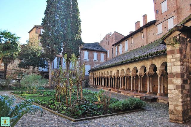 Claustro de Saint Salvi en Albi, Francia