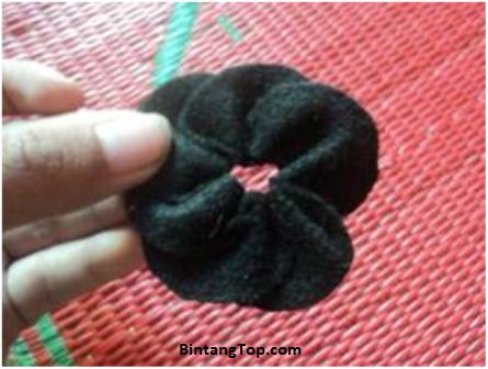 Cara Membuat Bunga kanzashi dari kain Flanel