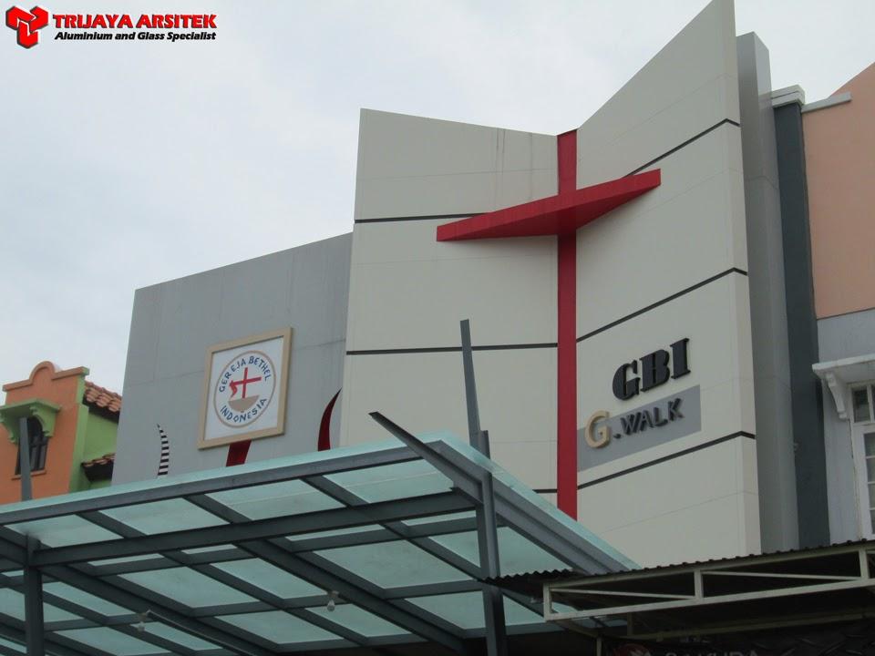 Aluminium Composite Panel, Kaca Tempered 10mm, Kisi - Kisi Aluminium, Konstruksi Baja, Letter Galvanil, Proyek Surabaya