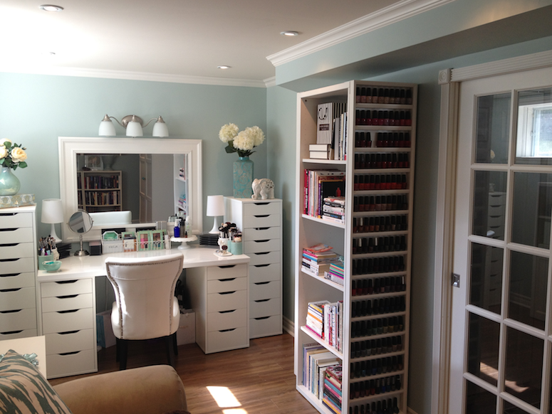 Maggie's Makeup: My Makeup Room on Make Up Room  id=90894