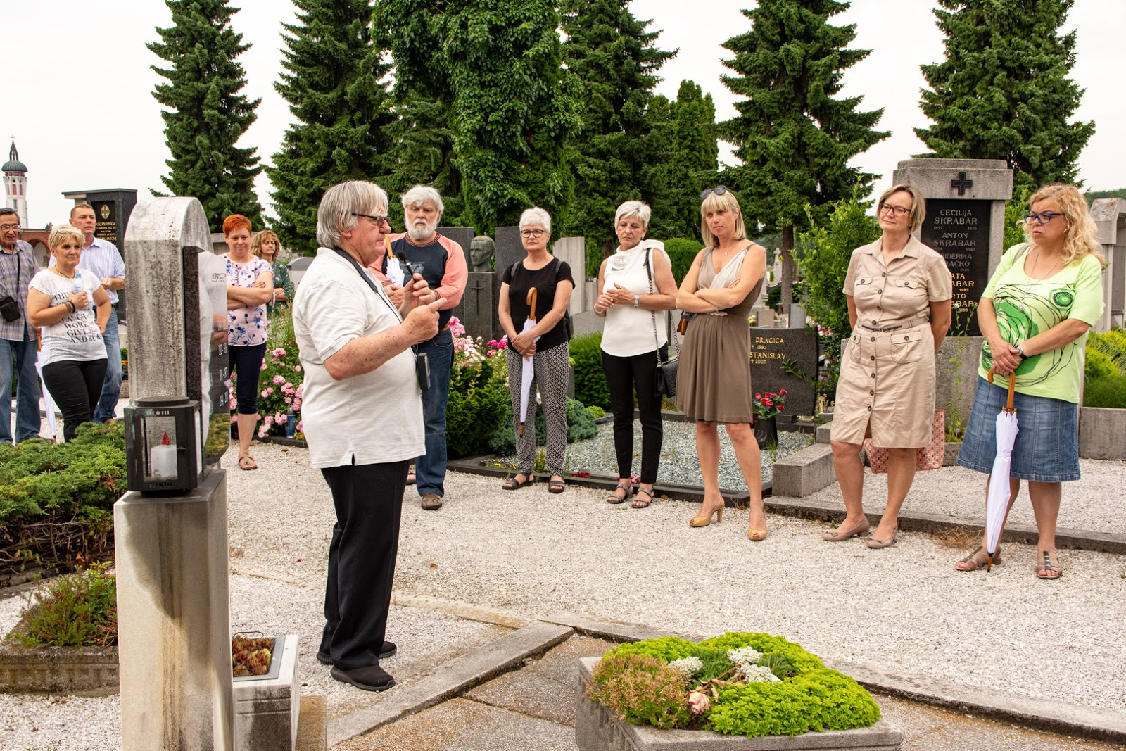 Guided tour at Pobrežje Cemetery