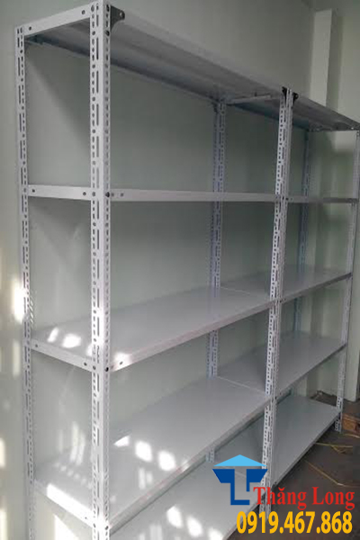 Nên dùng loại kệ nào để lưu trữ hàng hóa trong kho khi mở cửa hàng siêu thị mini